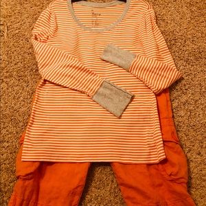 3/$20.00🎉 Gap Crew Shirt